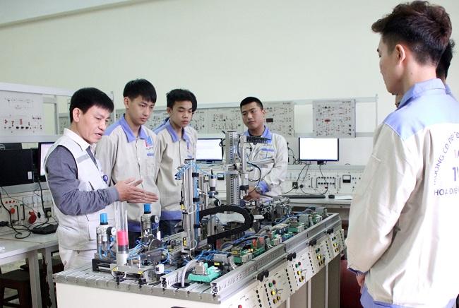 Đầu tư, phát triển các trường cao đẳng chất lượng cao