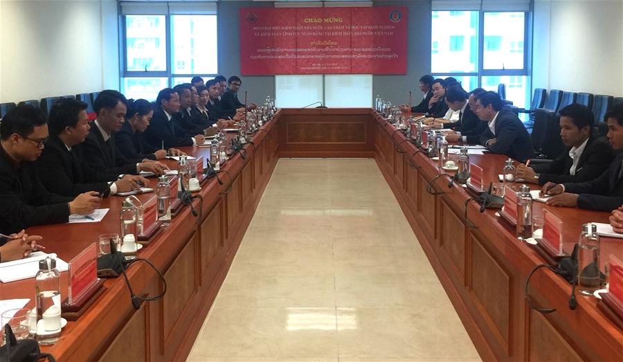 Phó Tổng Kiểm toán Nhà nước Đào Xuân Tiên tiếp xã giao Đoàn công tác KTNN Lào
