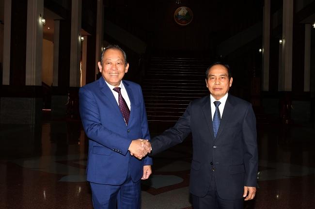 Phó Thủ tướng Thường trực hội đàm Phó Thủ tướng Lào