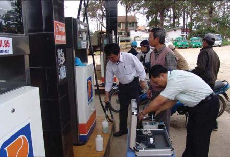 Ngăn chặn và đẩy lùi xăng dầu giả, kém chất lượng