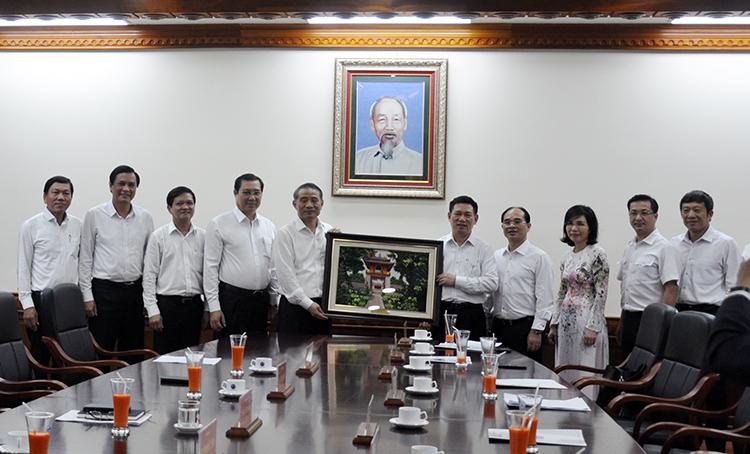 Tổng Kiểm toán nhà nước Hồ Đức Phớc thăm và làm việc với Thành ủy Đà Nẵng