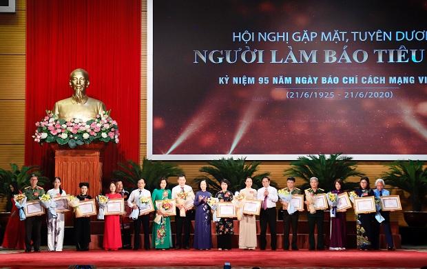 Kỷ niệm 95 năm Ngày Báo chí cách mạng Việt Nam:  Lan tỏa tình yêu nghề
