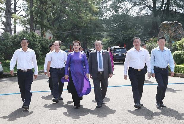 Chủ tịch Quốc hội Nguyễn Thị Kim Ngân làm việc với lãnh đạo chủ chốt tỉnh Đắk Nông
