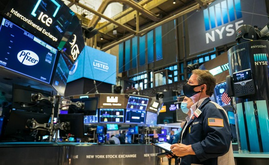 Thị trường chứng khoán khởi sắc ngày đầu tháng 3