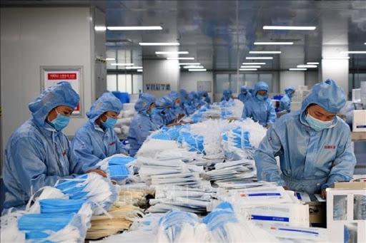 Việt Nam xuất khẩu 1,37 tỷ khẩu trang y tế năm 2020