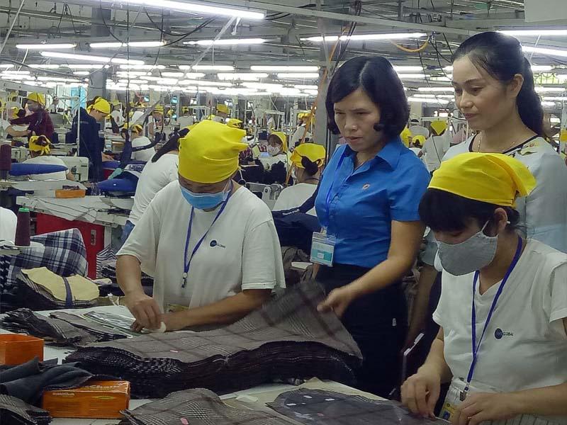 Tổng LĐLĐ Việt Nam sẽ tăng cường giám sát việc thực hiện pháp luật về lao động, bảo hiểm xã hội tại DN dịp cận Tết Nguyên đán - Ảnh: Internet