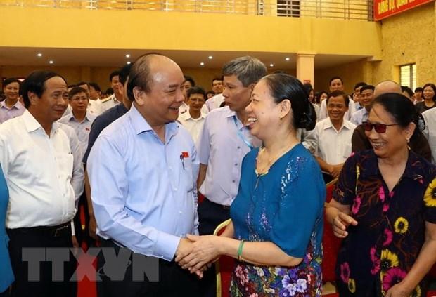 Thu tuong Nguyen Xuan Phuc tiep xuc cu tri thanh pho Hai Phong hinh anh 1