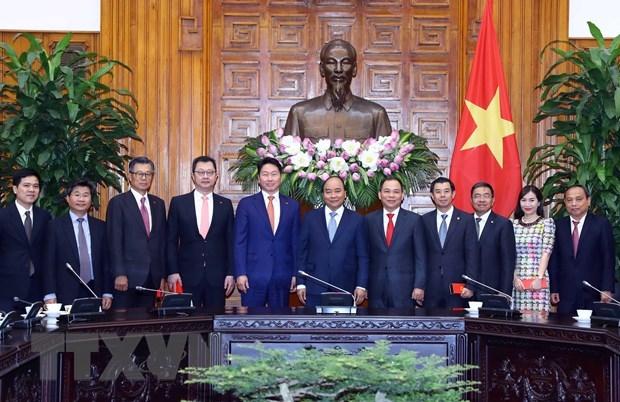 Thu tuong Nguyen Xuan Phuc tiep Chu tich Tap doan SK Han Quoc hinh anh 2